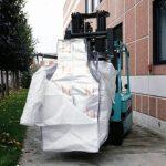 trasporto su muretto di un imballaggio con accoppiato barriera