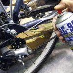 applicazione lubrificante spray per catene