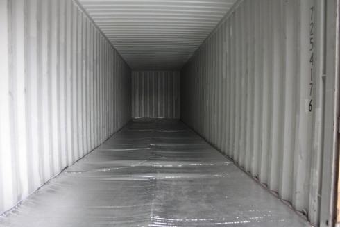 rivestimento di un container con film plastico